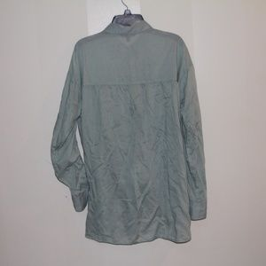 Express Tops - Dusty mint button down